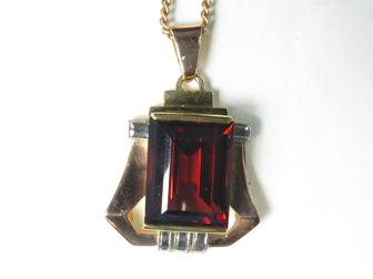 Deco Gold Garnet Pendant
