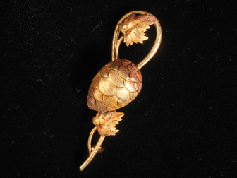 Victorian Gold Pine Cone Brooch