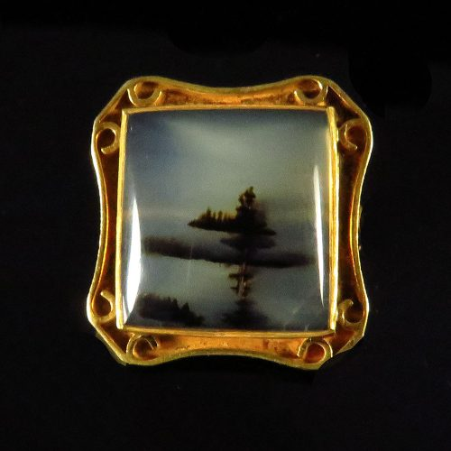Gold Agate Brooch