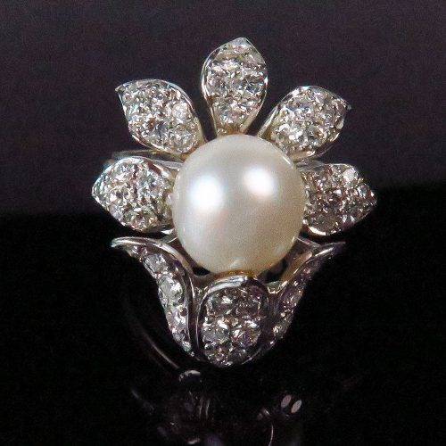 South Sea Pearl and diamond ring