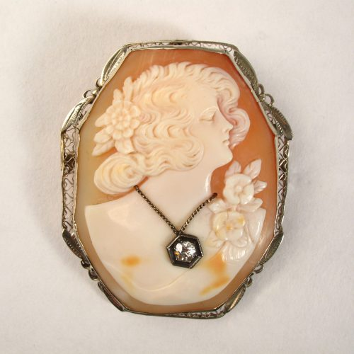 Shell Cameo with Diamond