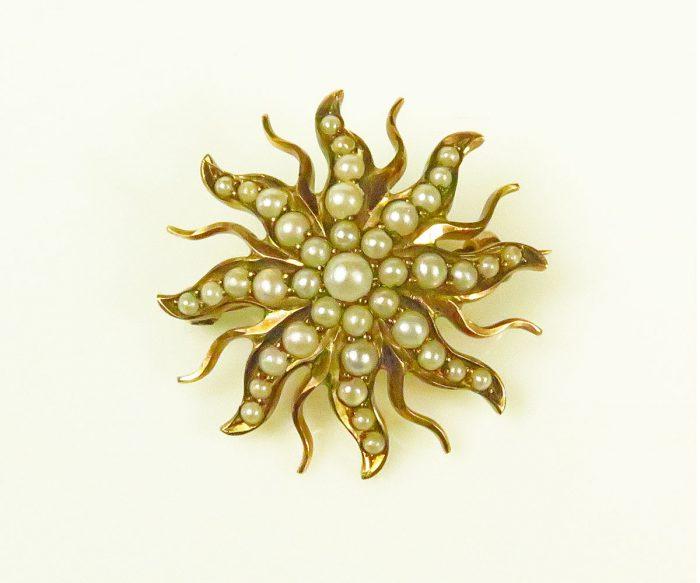Vintage Gold Starburst Pin