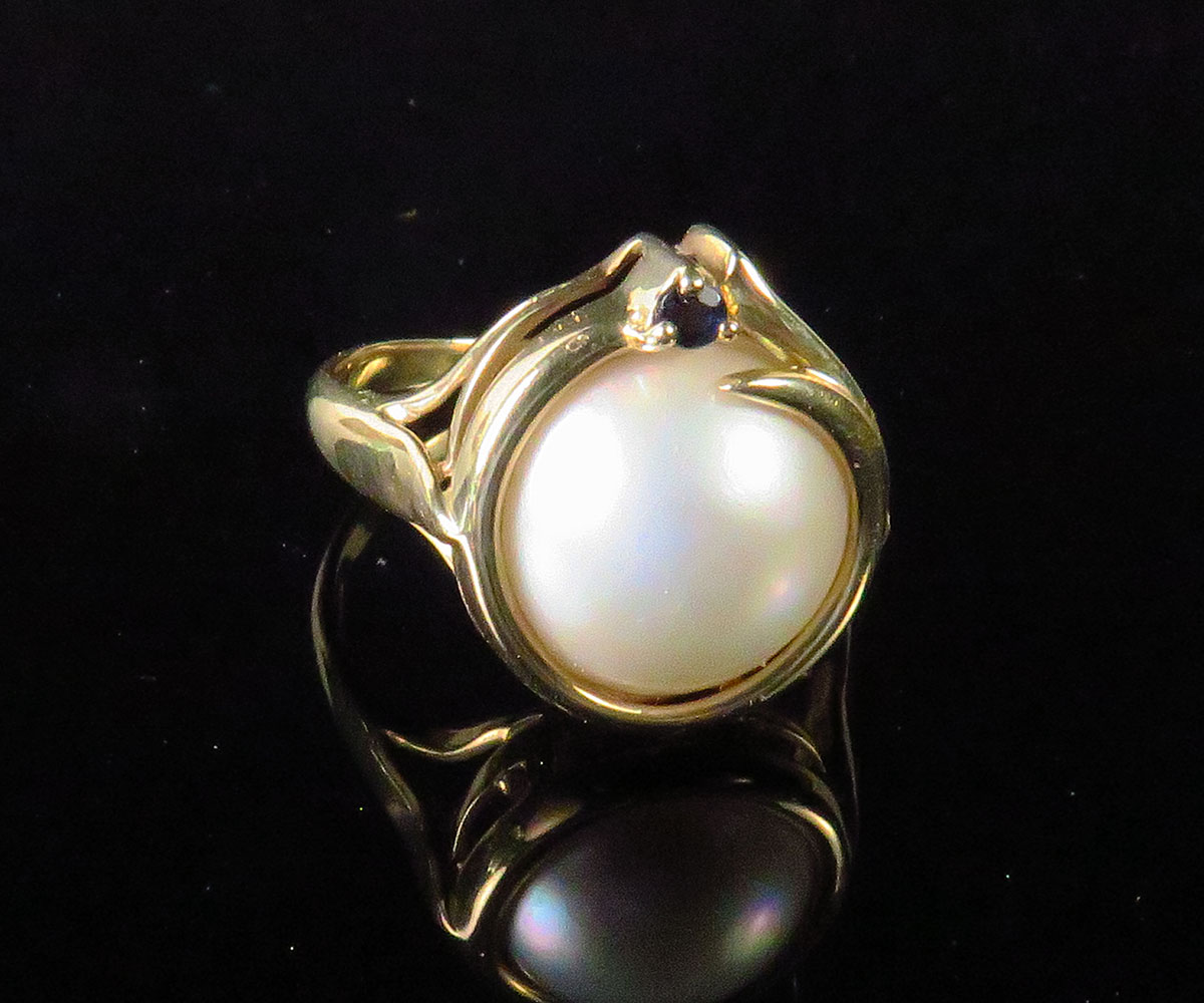 Gold Mabe Pearl Ring with Sapphire