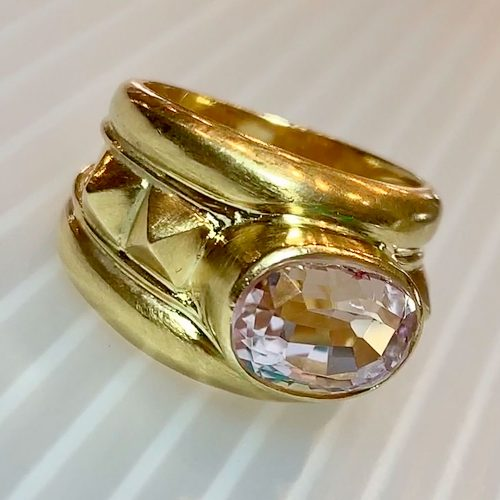 Gold Mings Kunzite Ring