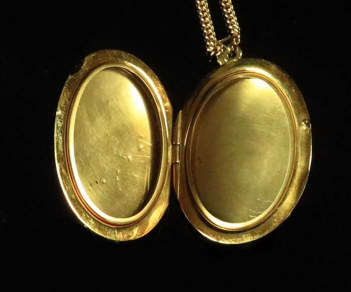 Italian Gold Oval Locket