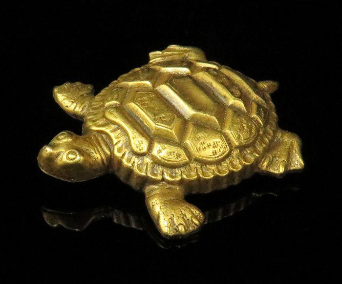 Joseff of Hollywood Turtle Pin