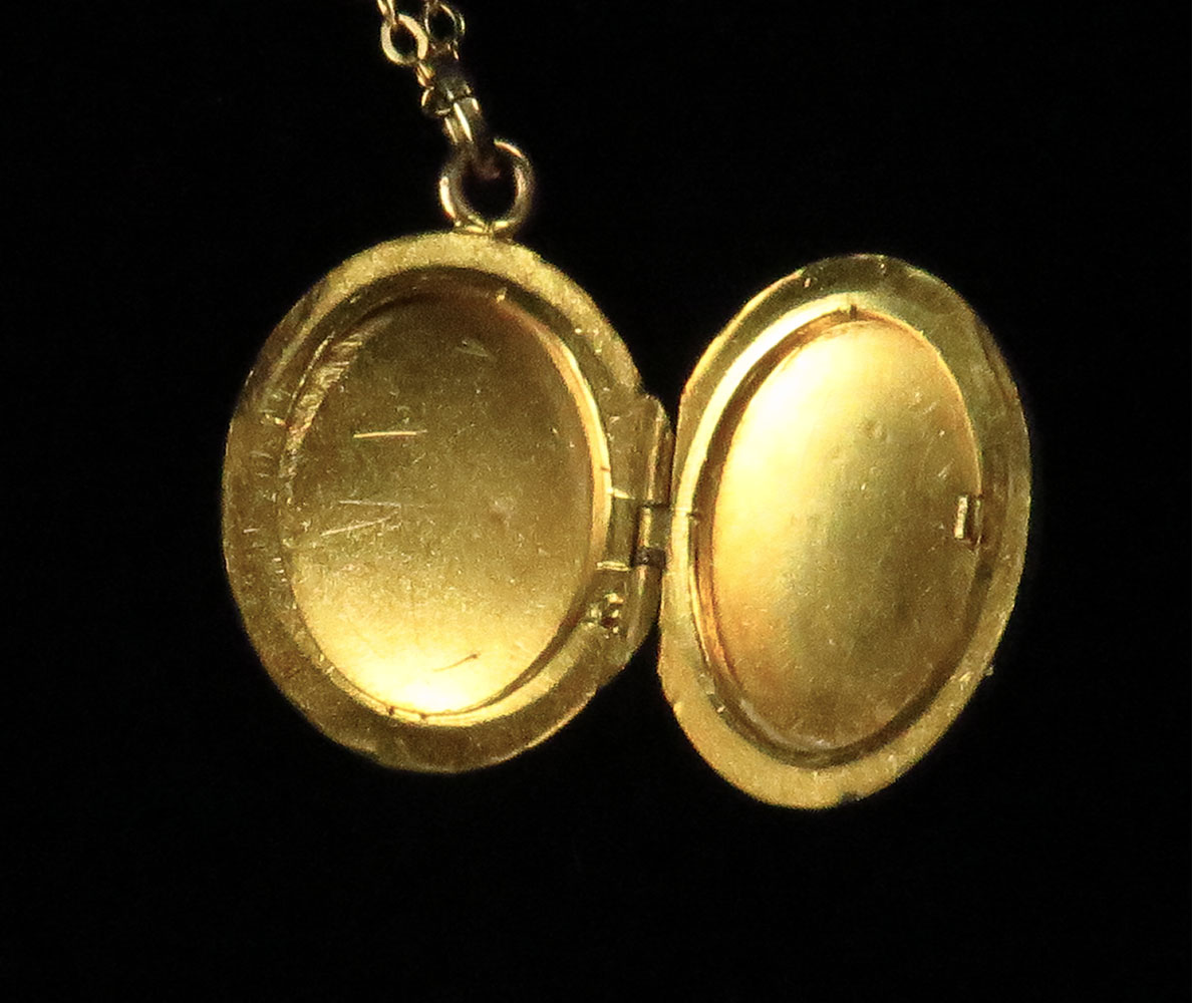 Vintage oval gold filled locket.