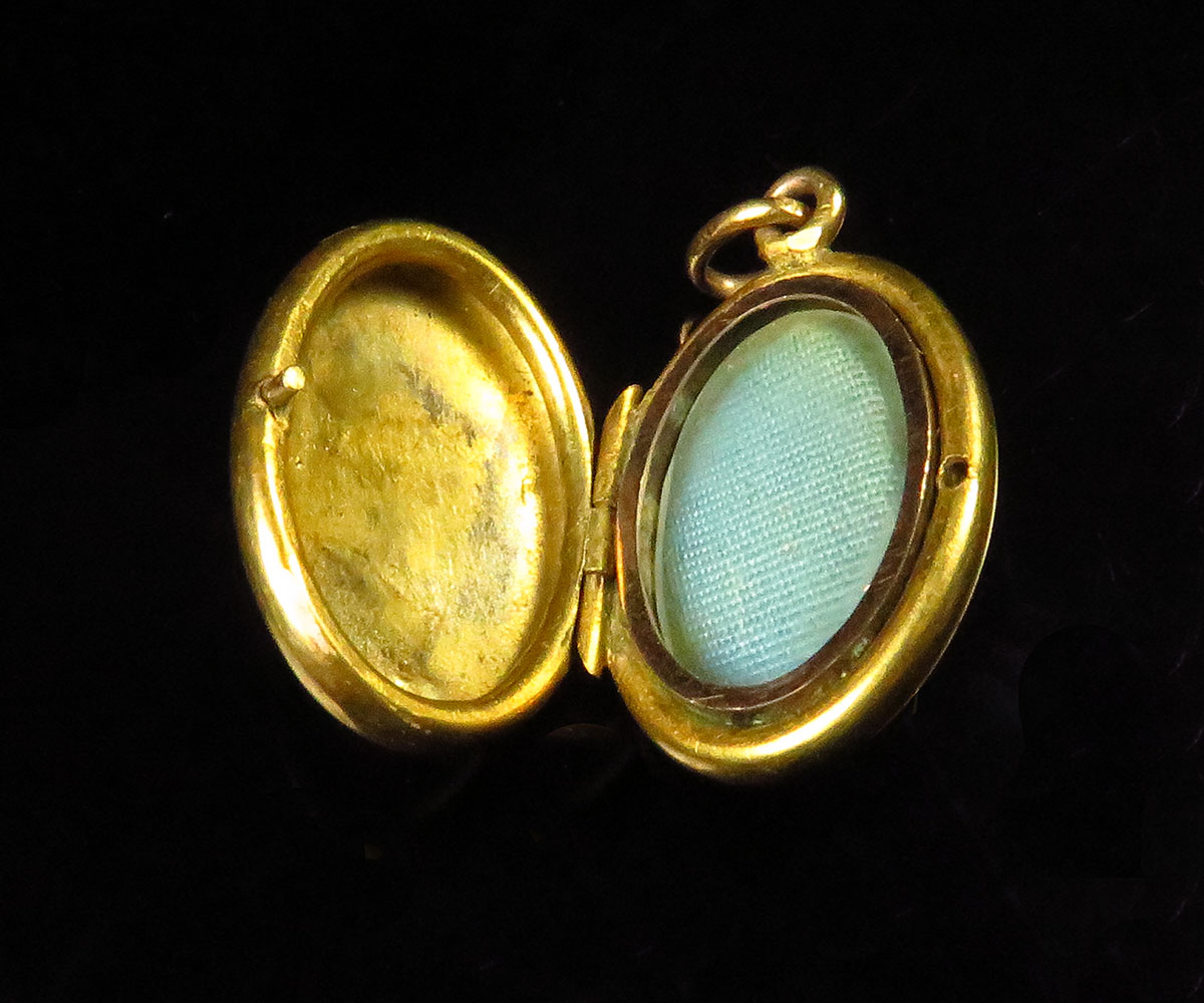 Victorian Aesthetic Period Small Gold Locket