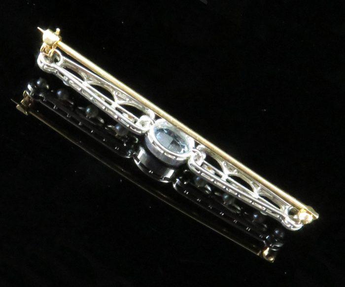 Edwardian Platinum and Gold Aquamarine Barpin with Pearls